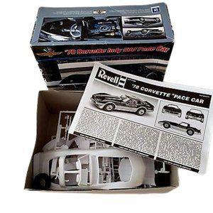 Revell 1/24 '78 Corvette Indy 500 Model Kit